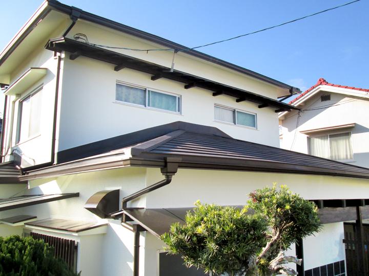 瓦屋根を下地から補修して金属屋根に葺き替え&外壁塗装リフォーム!
