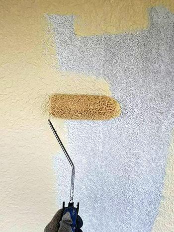 施工中|外壁塗装中塗り